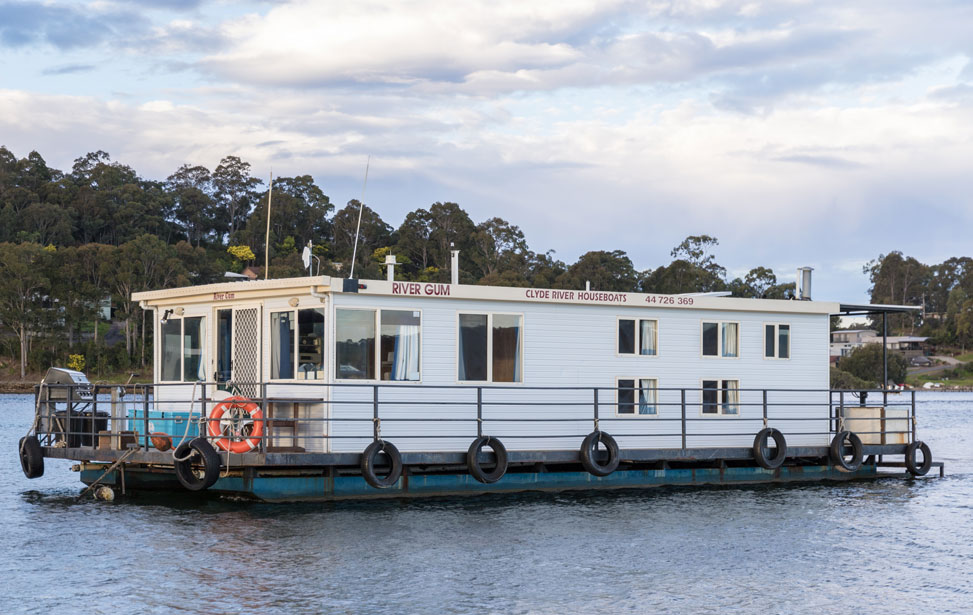 Rivergum Standard Houseboat (8-10 Berth)